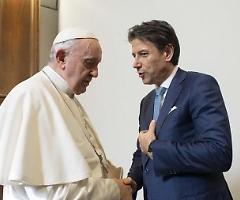 L'ira dei vescovi per le messe non consentite dal Governo