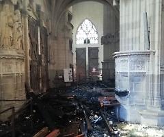 """Confessa il """"Nerone"""" della cattedrale di Nantes: un ruandese di 39 anni"""