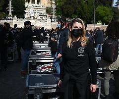 A Roma mille bauli in piazza per far tornare a vivere il mondo dello spettacolo