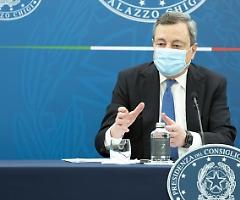 Coprifuoco e pass tra le regioni, polemiche nel Governo Draghi sulle riaperture