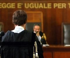 Isso, esse e 'o malamente: la sceneggiata del green pass di Draghi in Tribunale