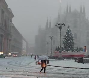 Arriva il maltempo, Milano si sveglia sotto la neve