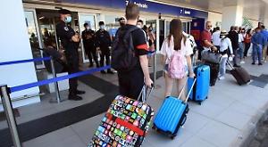 Coronvirus, rimbalzo di contagi in Europa: è corsa ai rimpatri per i turisti