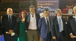 A Napoli il vagito di Golia, il premio che solleva i giganti della cultura
