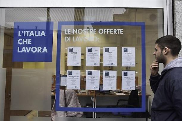 La foto dell'Istat: la disoccupazione risale del 7,8%, quella giovanile del 23,5%