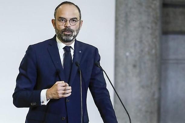 In Francia si dimette il governo di Edouard Philippe, Macron alla ricerca di un nuovo Esecutivo