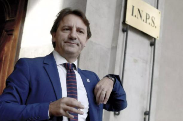 Al presidente 5 Stelle Tridico la Catalfo e Gualtieri raddoppiano lo stipendio a 150mila euro l'anno: con effetto retroattivo