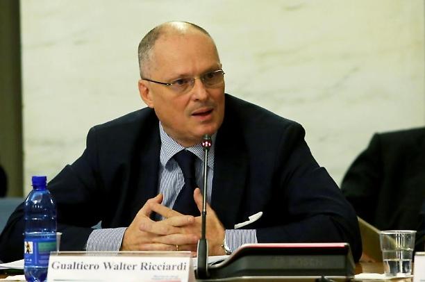 Coronavirus, Ricciardi: «Il contenimento è saltato, ora occorrono scelte coraggiose»