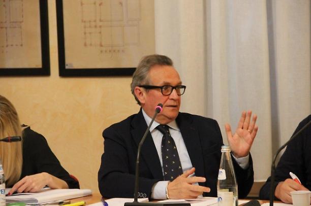 Adria (Rovigo) cancella la cittadinanza al Duce, contrario l'unico consigliere del PD